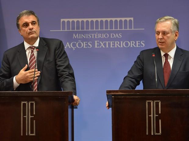 José Eduardo Cardozo (Justiça) e Luiz Figueiredo (Itamaraty) em coletiva sobre espionagem dos EUA (Foto: Valter Campanato/ABr)