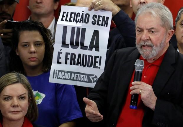 Ex-presidente Luiz Inácio Lula da Silva durante coletiva de imprensa em São Paulo (Foto: Nacho Doce/Reuters)