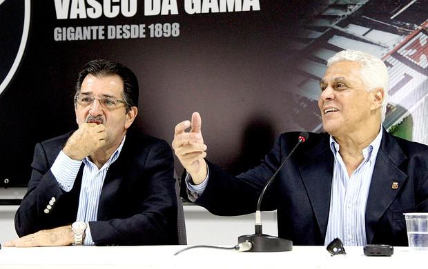 René Simões na coletiva do Vasco (Foto: Cezar Loureiro / Agência O Globo)