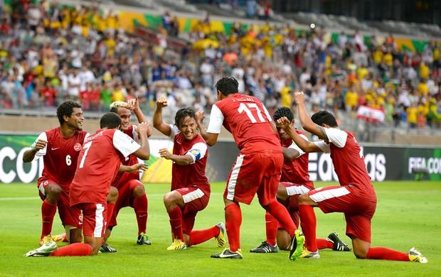 Comemoração Taiti contra Nigéria (Foto: Getty Images)