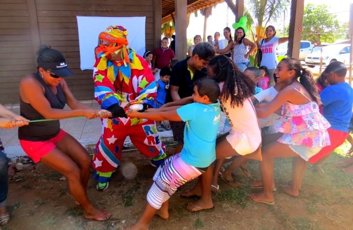 RG Crianças em Noronha com Reco-reco