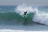 Surfista sem bra�o recebe convite da WSL e disputar� Fiji pela primeira vez