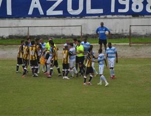 Confusão Taubaté x Joseense (Foto: Daniel Mello / CAJ)