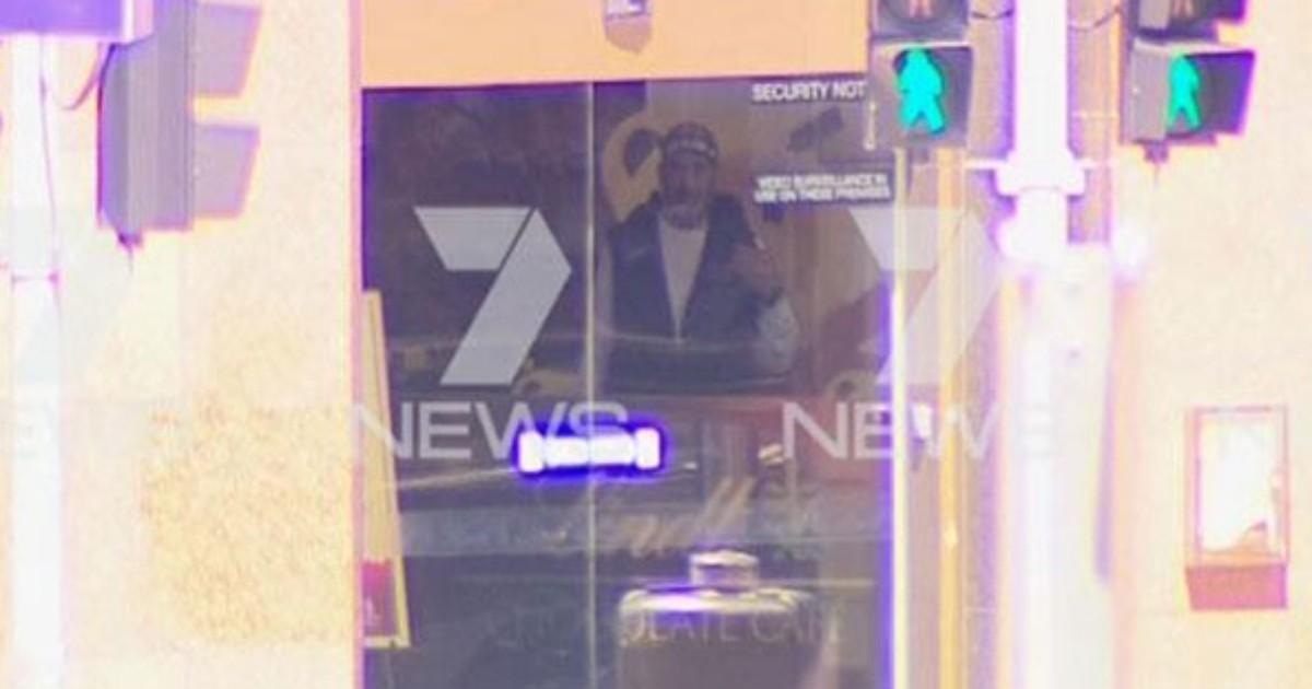 Homem armado faz reféns em café em Sidney, na Austrália - Globo.com