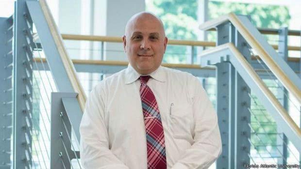 Galvin e sua equipe desenvolveram o Sistema Rápido de Avaliação da Demência (Foto: Florida Atlantic University/ BBC)