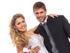 Ex-BBBs Renatinha e Jonas posam de noivos para revista