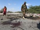 Insurgentes islâmicos matam general com carro-bomba na Somália