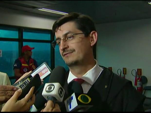 André Canuto, advogado da família do promotor de Itaíba, Thiago Faria (Foto: Reprodução/TV Globo)