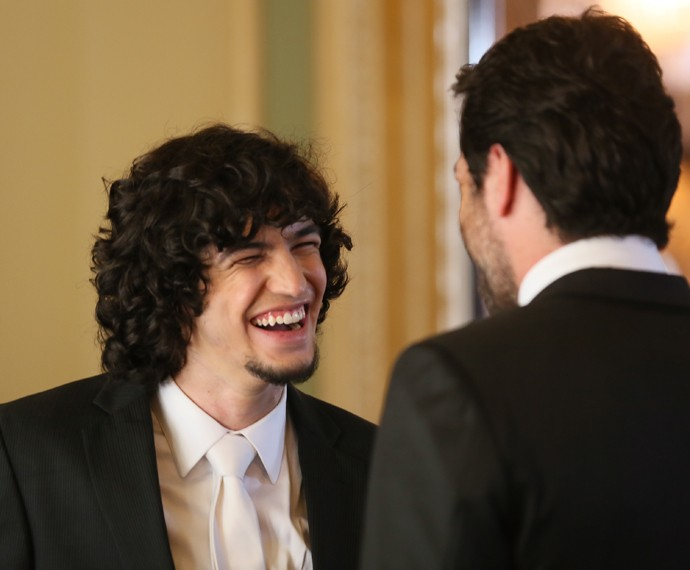 Gabriel Leone e Rodrigo Lombardi se divertem nos bastidores (Foto: Isabella Pinheiro/Gshow)