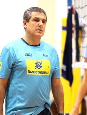 Zé Roberto Guimarães treino vôlei  (Foto: Divulgação / CBV)