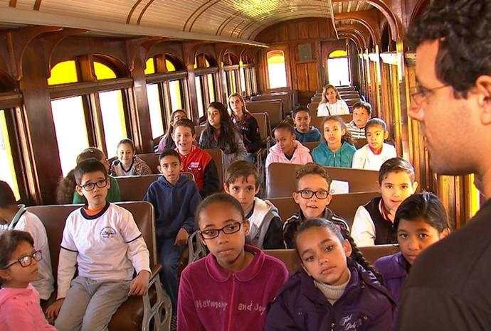Museu da Ferrovia recebe vários estudantes de Bauru (Foto: Reprodução / TV TEM)