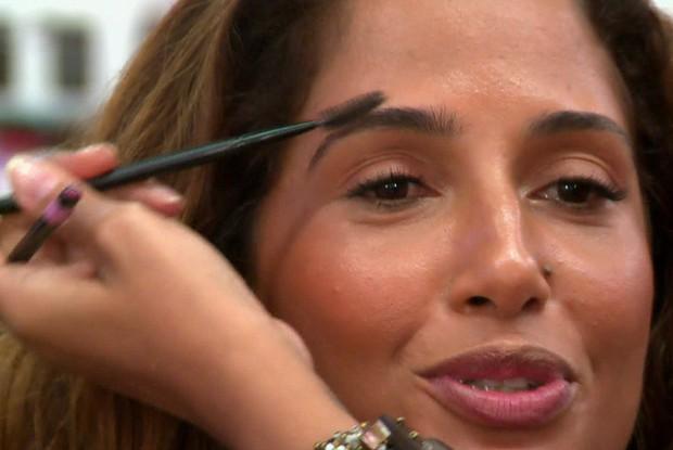 Camila Pitanga mostra caracterização da personagem Regina de Babilônia (Foto: Tv Globo)