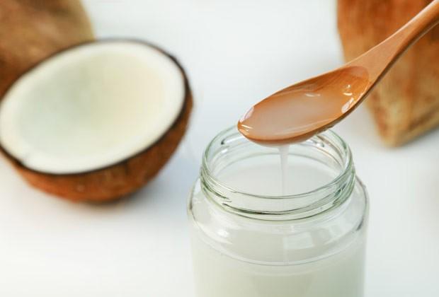 Segundo a ABRAN, o óleo de coco não atua no emagrecimento (Foto: Thinkstock)
