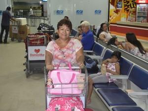 Maria do Socorro, de 54 anos, viajará para Belém, no Pará (Foto: John Pacheco/G1)