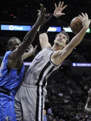 Tiago Splitter, San Antonio Spurs - AP (Foto: AP)