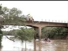 Casal morre depois de carro perder controle e cair em rio em Piacatu