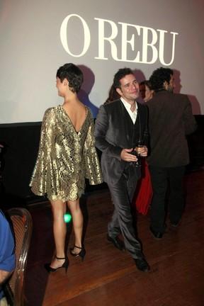 Daniel Oliveira e Sophie Charlotte na pista de dança após flagra dos fotógrafos (Foto: Isac Luz/EGO)