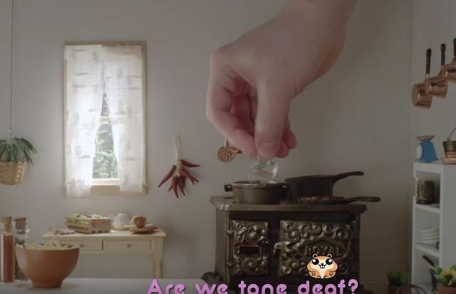 Mini cozinha no clipe de Katy Perry (Foto: Reprodução)