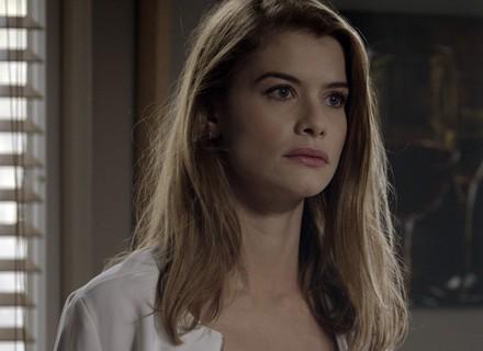 Lívia recebe notícia sobre a gravidez de Melissa