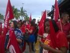 Professores em greve fazem ato público na Orla da Atalaia