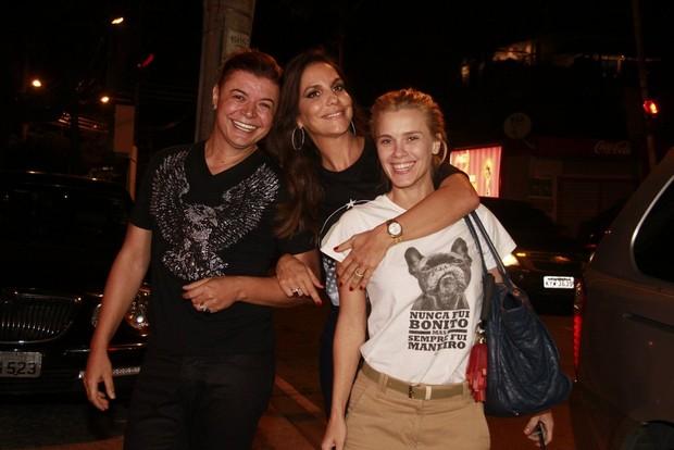 David Brazil, Ivete Sangalo e Carolina Dieckmann em festa no Rio (Foto: Isac Luz/ EGO)