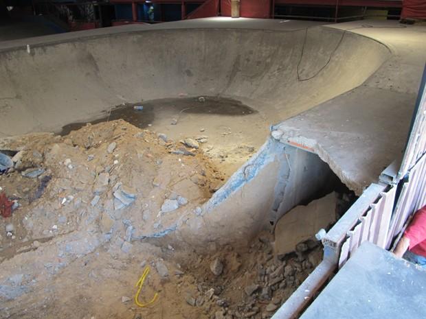 Parte do Chorão Skate Park que está sendo destruída (Foto: Mariane Rossi/G1)