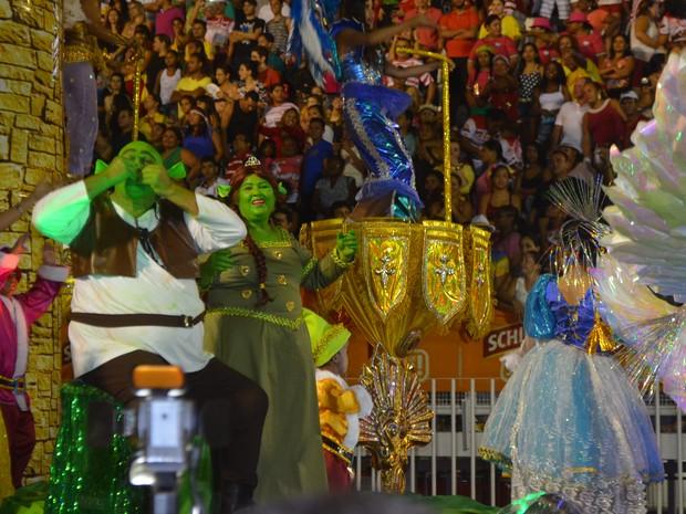 Piratas da Batucada apresentou contos de fadas, no Amapá (Foto: Abinoan Santiago/G1)