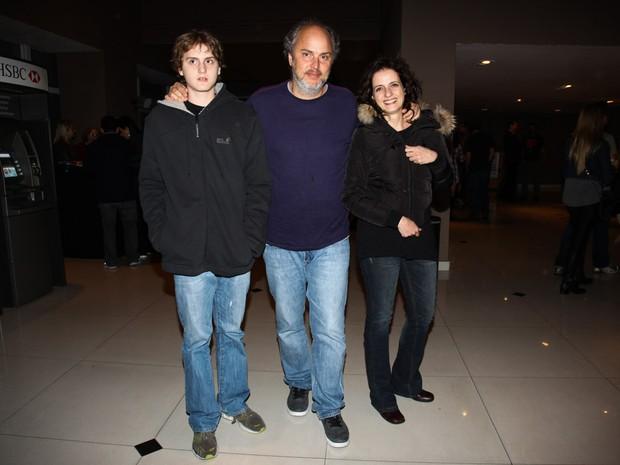 Denise Fraga com a família em show em São Paulo (Foto: Manuela Scarpa/ Foto Rio News)