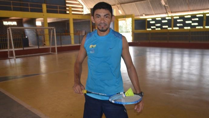 Jonas Batista, atleta badminton Santarém (Foto: Lia Anjos/ GloboEsporte.com)