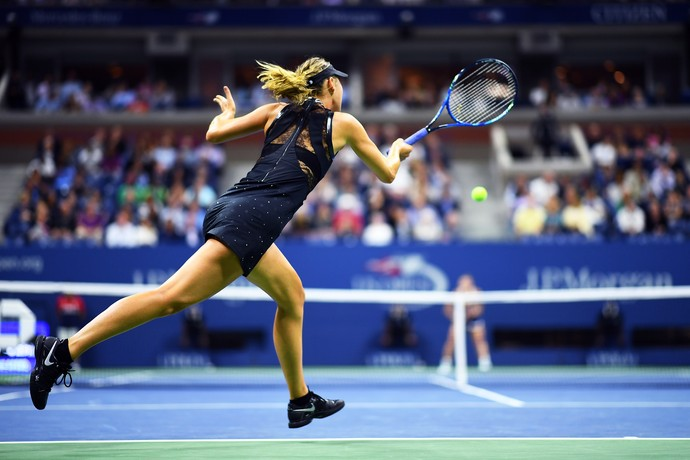 Sharapova vira sobre húngara e vai à terceira rodada do US Open