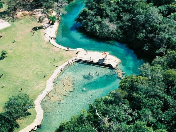 Balneário municipal é uma opções do turista para contemplar a natureza em Bonito (Foto: Divulgação/Secretaria de Turismo de Bonito)