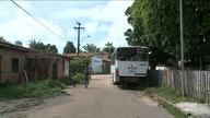 Ônibus parado causa confusão no trânsito de rua do bairro Vila Vitória em São Luís