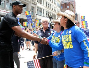 jason collins, parada gay de boston (Foto: Agência AP)