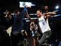Ex-NFL, Romo vive dia de jogador da NBA e vê do banco derrota dos Mavs