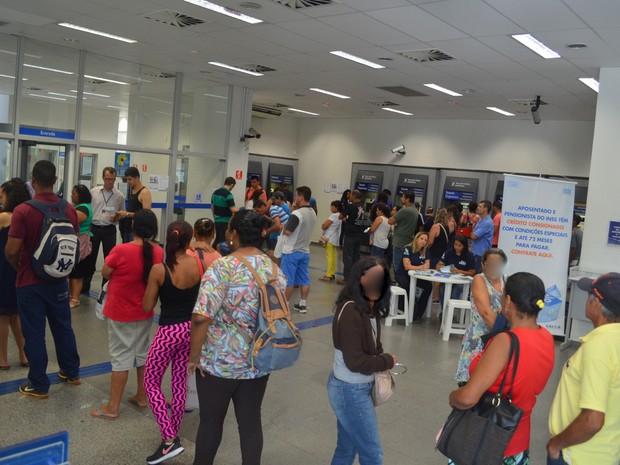 Agência da Caixa da Praça José Bonifácio em Piracicaba (Foto: Carol Giantomaso/G1)
