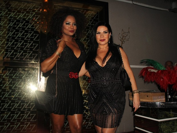 Adriana Bombom e Solange Gomes em festa na Zona Oeste do Rio (Foto: Rogerio Fidalgo/ Ag. News)