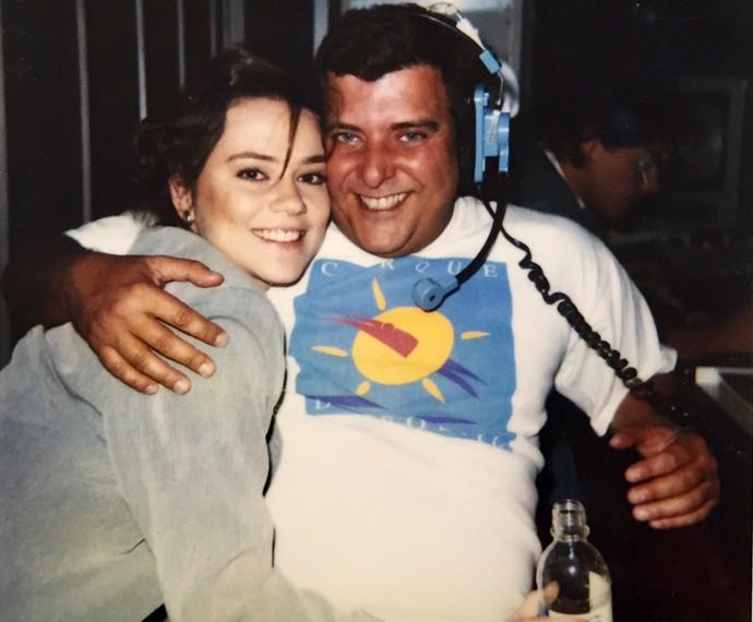 Vivianne Pasmanter e o diretor Jorge Fernando, nos bastidores de 'A Próxima Vítima' (Foto: Arquivo Pessoal)