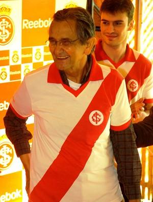 Larry ex-atacante Inter (Foto: Alexandre Lops / Divulgação Inter)