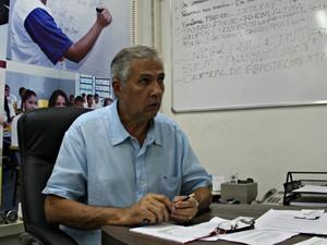 Secretário afirmou que prefeitura tem reduzido número de imóveis alugados (Foto: Indiara Bessa/G1 AM)