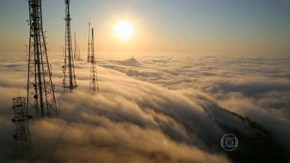 Forte névoa suspende pousos no Santos Dumont