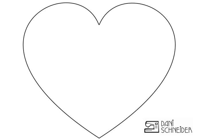 Molde Dani Schneider artesã Mistura com Rodaika quadro de coração (Foto: Divulgação/Dani Schneider)