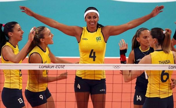 Meninas do vôlei enfrentam os Estados Unidos na madrugada desta terça (Foto: Agência Reuters / GloboEsporte.com)
