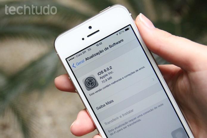 iphone-com-ios-8-destaque (Foto: Atualização para iOS 8.2 (Foto: Anna Kellen/TechTudo))