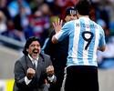 Maradona lamenta saída de Higuaín do Napoli, mas não culpa atacante