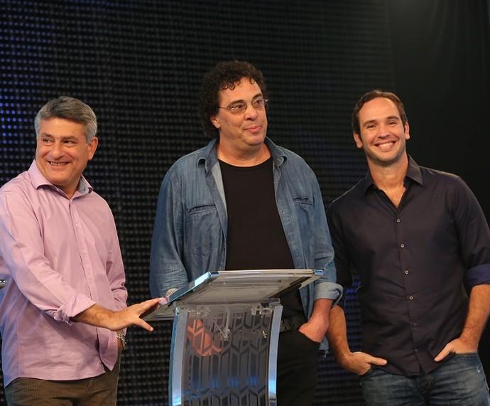 Cléber Machado, Walter Casagrande e Caio Ribeiro arrasaram no 'Ding Dong' (Foto: Carol Caminha/Gshow)