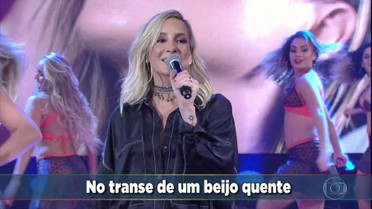 Cláudia Leitte canta seu novo sucesso 'Taquitá'
