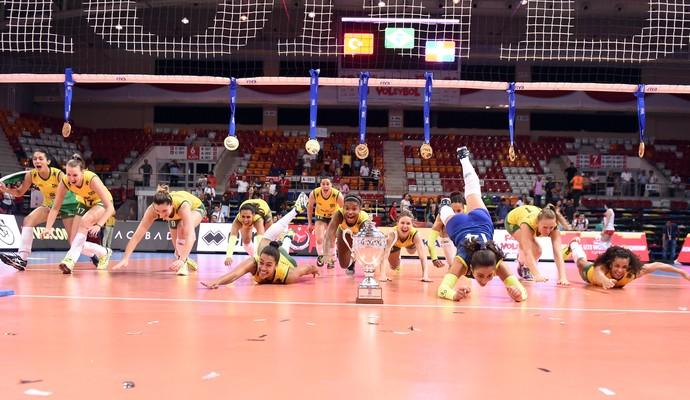 Brasil campeão mundial sub-23 vôlei feminino 2015 (Foto: Divulgação/FIVB)