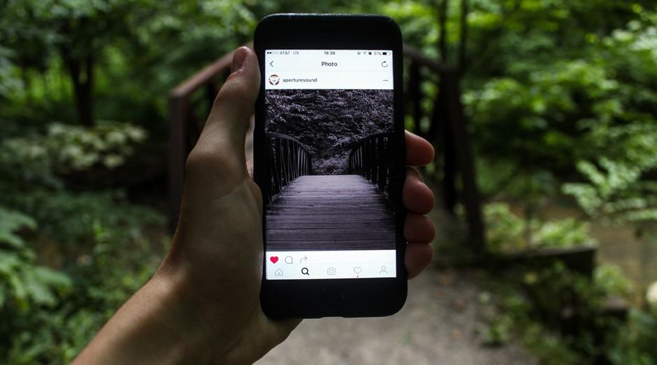 Cores mais escuras e filtros no Instagram indicam quadros depressivos (Foto: Pexels)