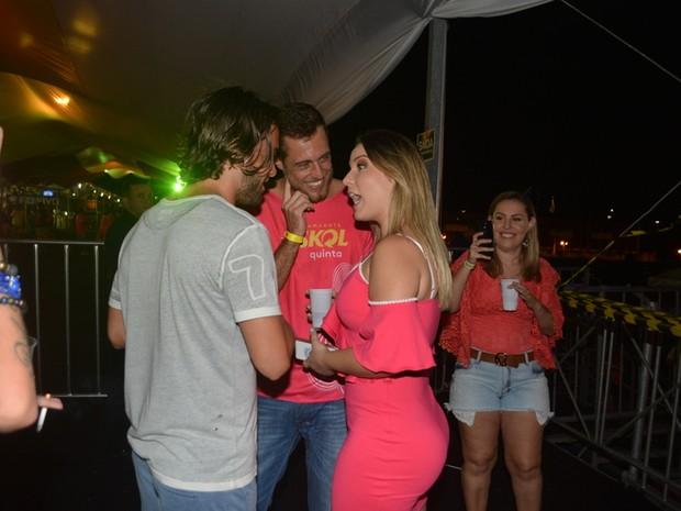Kayky Brito com os ex-BBBs Maria Claudia, a Cacau, e Daniel em micareta em Natal (Foto: Felipe Souto Maior/ Ag. News)