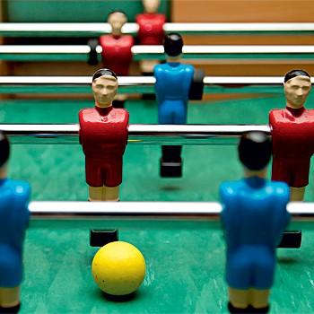 Jogo de Pebolim Trabalho em Equipe (Foto: Reprodução)